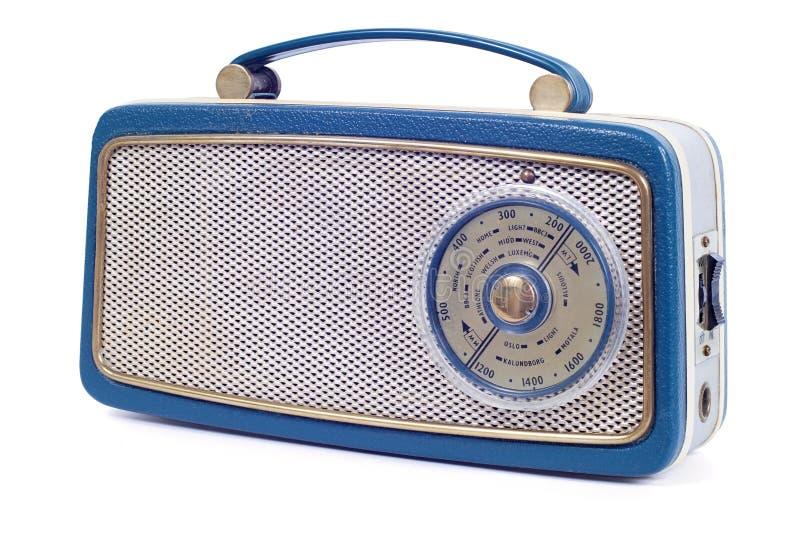 Tappning60-talradio på vit arkivbild