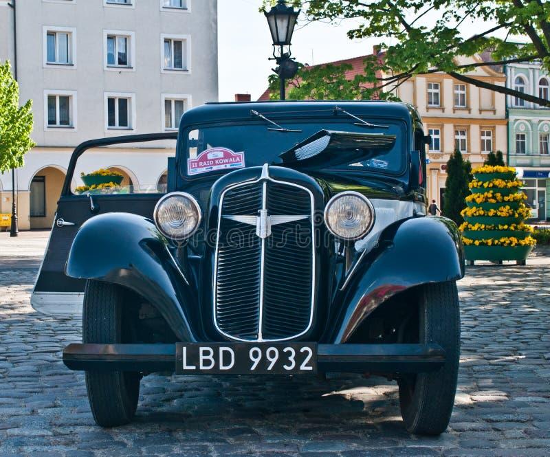 TappningAdler bil arkivbilder