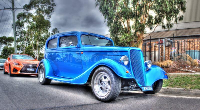 TappningblåttFord bil royaltyfri bild
