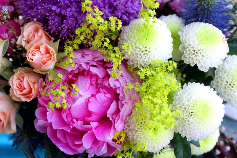 Tappningbukett av blommor royaltyfria foton