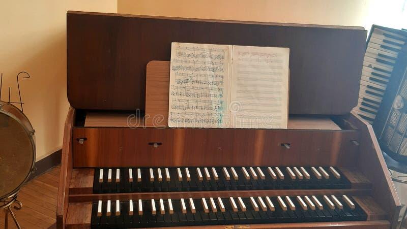 Tappningcembalo Fotomusikinstrument Closeup f?r musikinstrument Hj?lpmedel f?r utdragning av musikaliska ljud arkivbilder