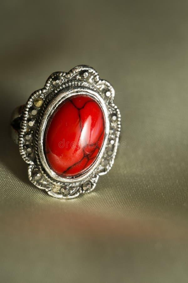 Tappningcirkel med röd turkos royaltyfri fotografi