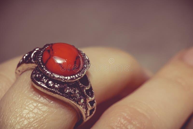 Tappningcirkel med röd turkos arkivfoto