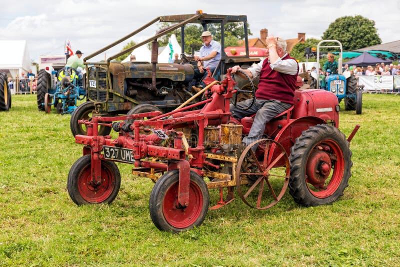 TappningDavid Brown 2D traktor fotografering för bildbyråer