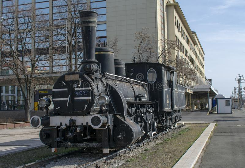 Tappningdrev som framme ställs ut av huvudsaklig drevstation i Zagreb, Kroatien royaltyfri foto