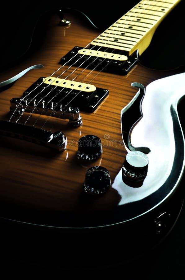 Tappninggitarr 01 royaltyfri foto