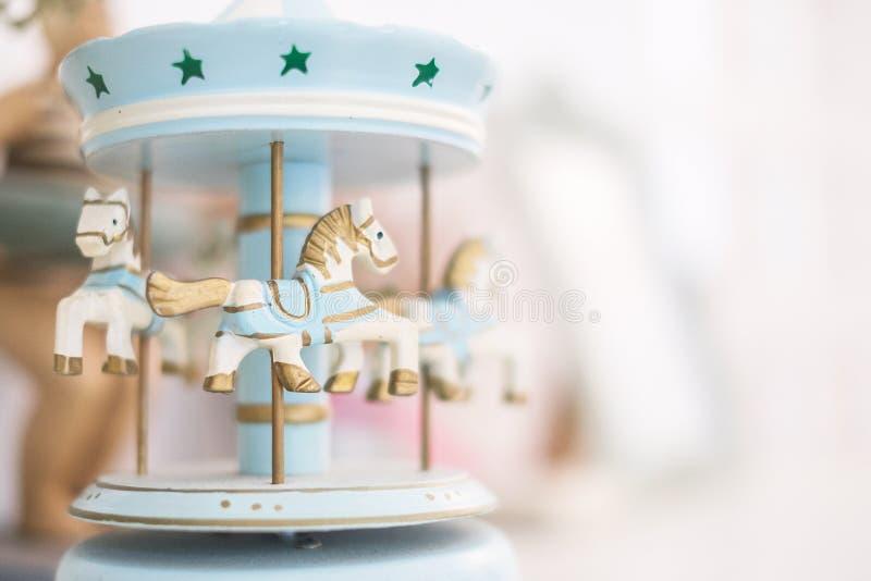 Tappningkarusellhästar arkivbilder