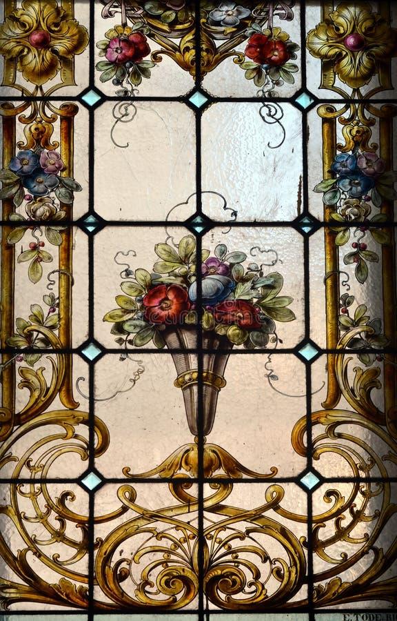 Tappningmålat glass royaltyfri foto