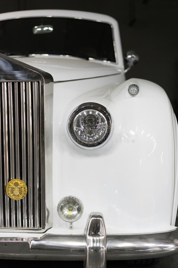 TappningRolls Royce bil royaltyfri bild