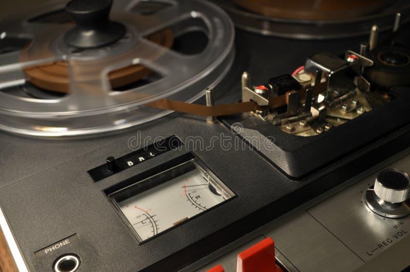 Tappningrulle-till-rulle registreringsapparat arkivbilder