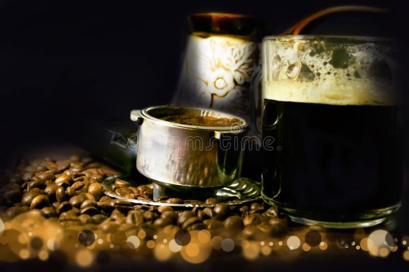 Tappningsikt av ett kopp kaffehorn och turks på bakgrunden av oskarpa partiklar royaltyfri fotografi