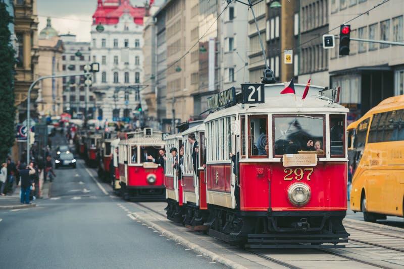 Tappningspårvagnen ståtar, Prague, Tjeckien royaltyfri fotografi