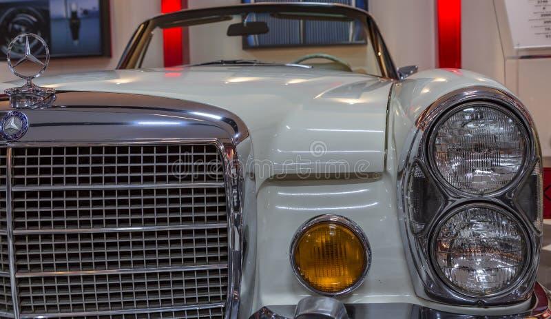 Tappningsport Mercedes Benz fotografering för bildbyråer