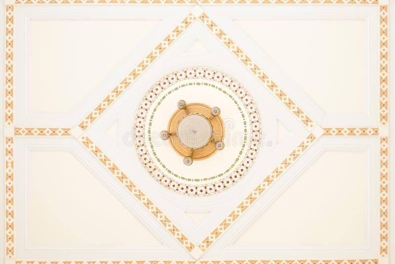 Tappningtak Härliga detaljer av tappningtaket i ancien royaltyfria bilder