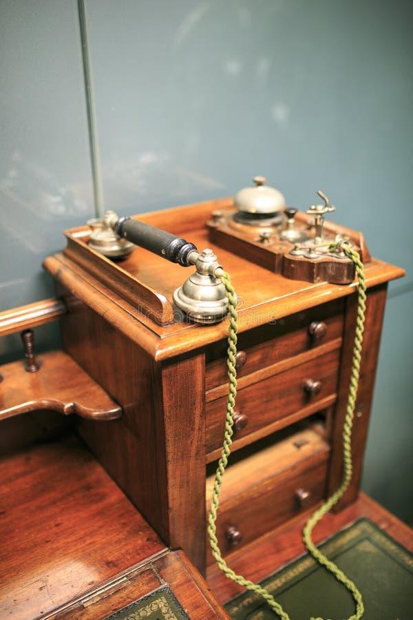 Tappningträtelefon royaltyfria bilder