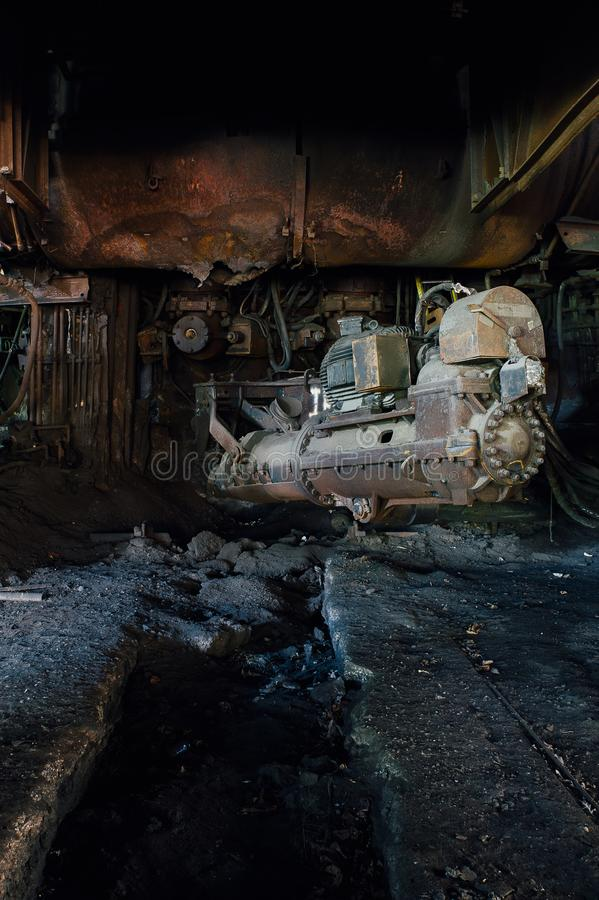 Taqueur à un haut fourneau - aciérie abandonnée photographie stock