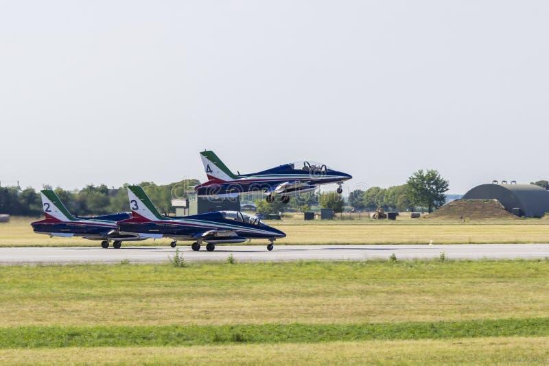 Tar det akrobatiska laget för italienskt flygvapen av royaltyfria foton