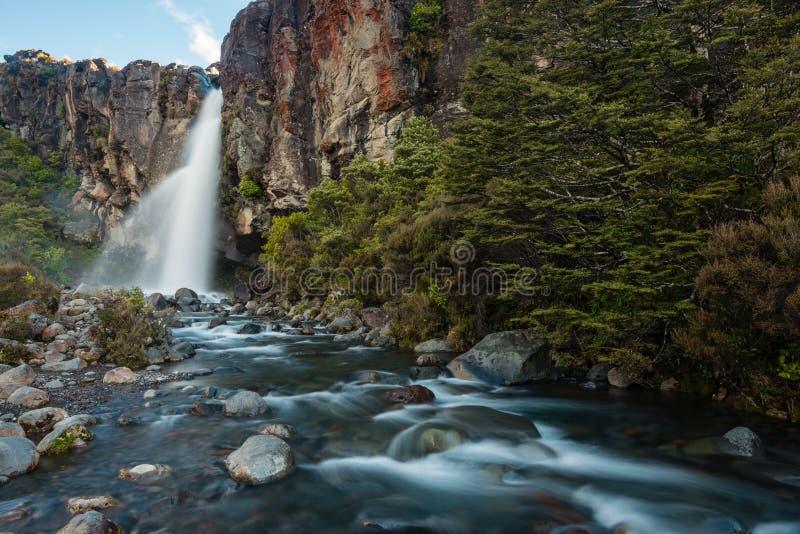 Taranaki nedgångar, Nya Zeeland royaltyfri foto