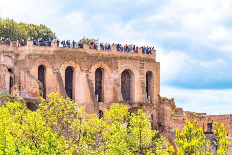 Taras na palatynu wzgórzu Najlepszy punktu obserwacyjnego punkt Romański forum, Rzym Włochy zdjęcie stock
