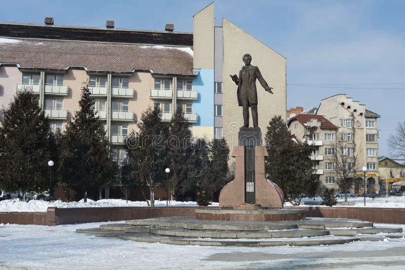 Taras Shevchenko-monument in Drohobych, de Westelijke Oekraïne Overgenomen foto: 17 februari, 2017 stock afbeelding