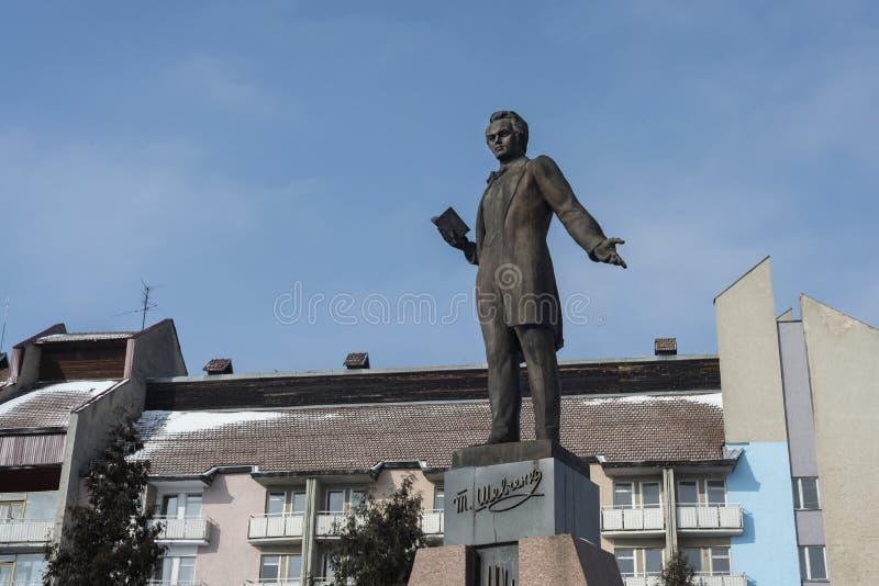 Taras Shevchenko-monument in Drohobych, de Westelijke Oekraïne Overgenomen foto: 17 februari, 2017 stock fotografie