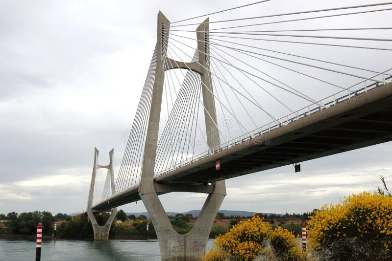 Tarascon most, Beaucaire, Francja zdjęcia royalty free