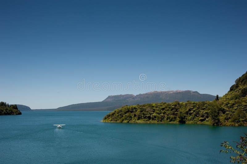 tarawera βουνών λιμνών στοκ φωτογραφίες