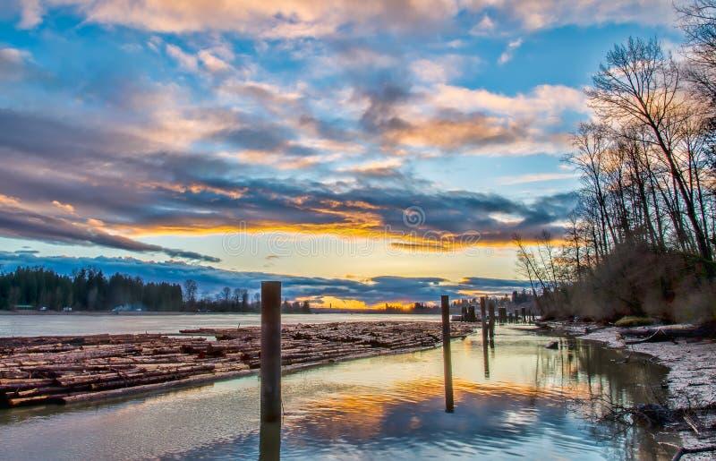 Tarcica Unosi się na Fraser rzece obrazy royalty free