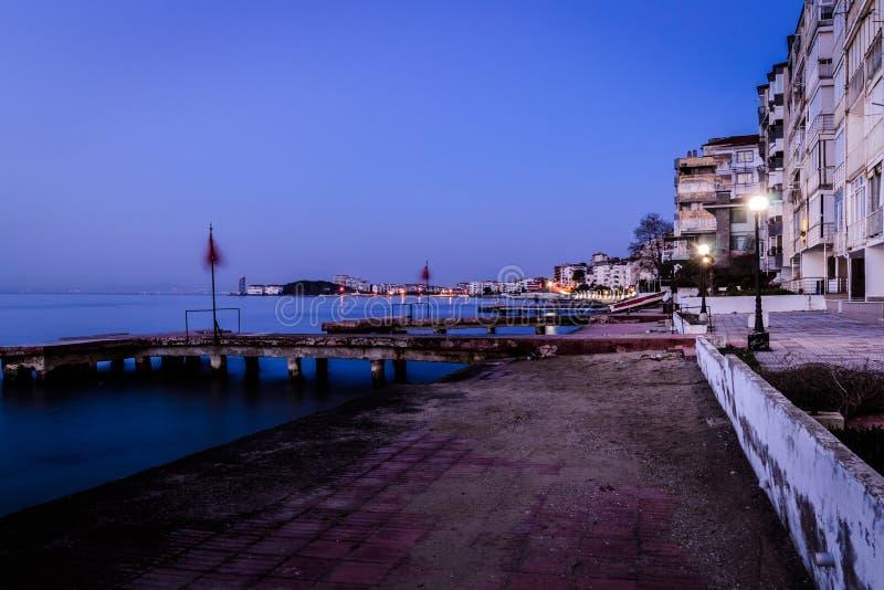 Tarde de la playa de la ciudad del verano imagen de archivo libre de regalías
