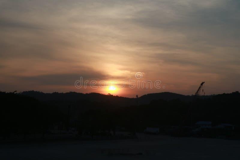 Tarde de la puesta del sol de la belleza fotografía de archivo libre de regalías