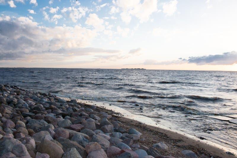 Tarde en el golfo de Finlandia, imagen de archivo