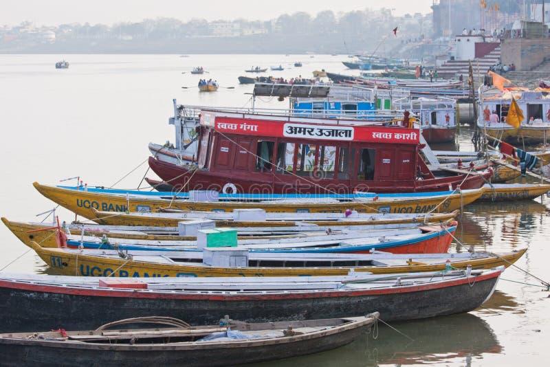 Tarde en los bancos del Ganges imagenes de archivo