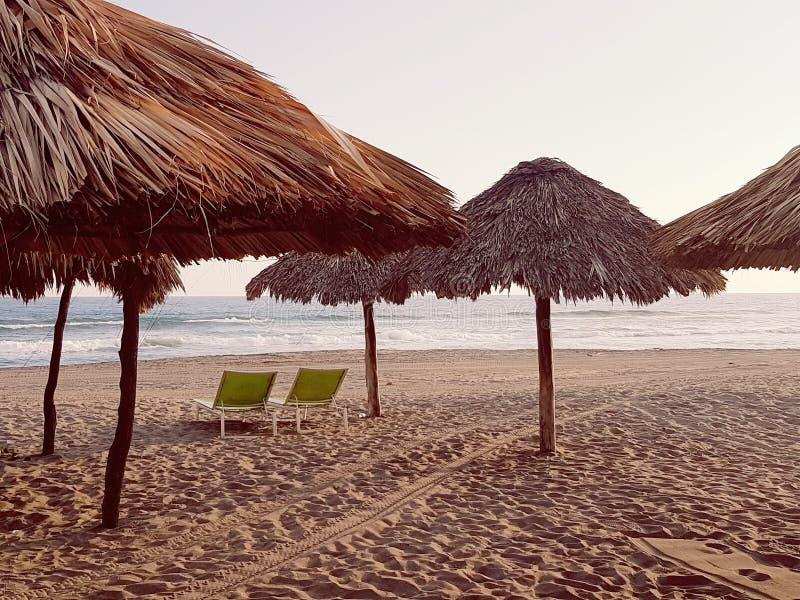 Tarde na praia fotografia de stock royalty free