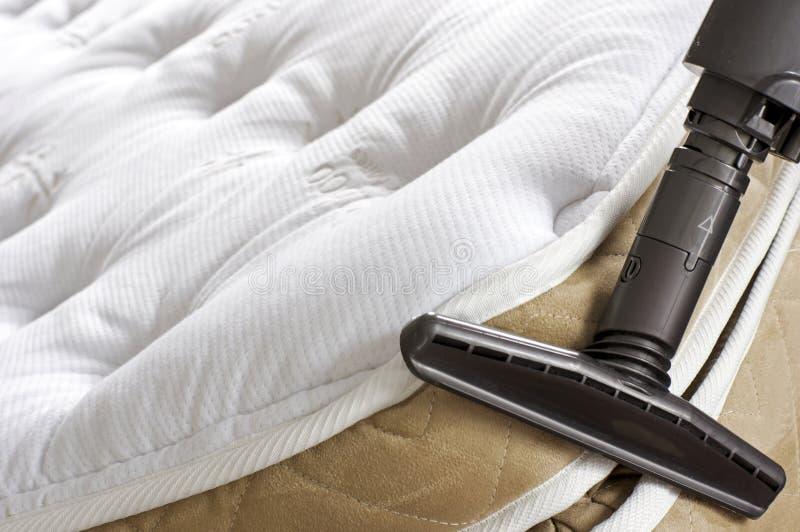 Tarefas domésticas - erros de cama imagem de stock royalty free