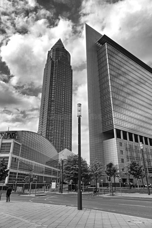 Targ handlowy wierza w czarny i biały, Frankfurt magistrala - jest - obraz royalty free