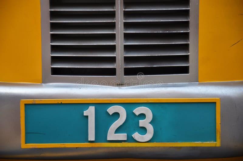 Targa di immatricolazione con il numero 123 fotografie stock libere da diritti