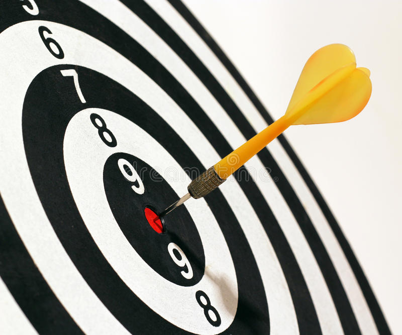 Download Target And Dart Stock Photos - Image: 27655113