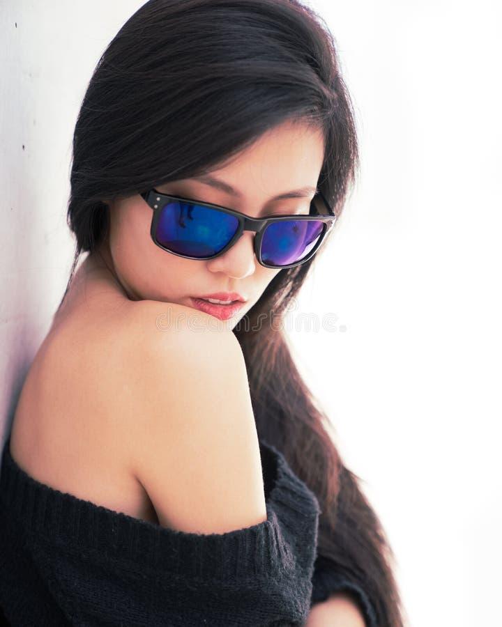target1800_0_ kobiety piękni okulary przeciwsłoneczne obrazy stock