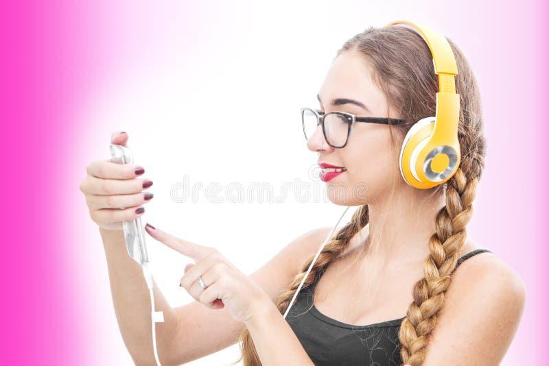 target224_1_ muzykę dziewczyna hełmofony obraz royalty free