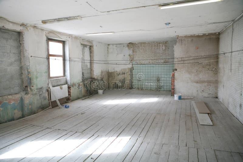 target1327_1_ pusty stary pokój obrazy royalty free