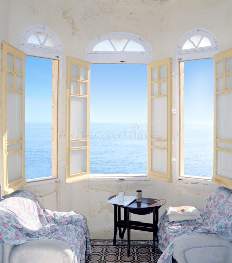 target1401_0_ morzy okno podpalany Malta trzy fotografia royalty free
