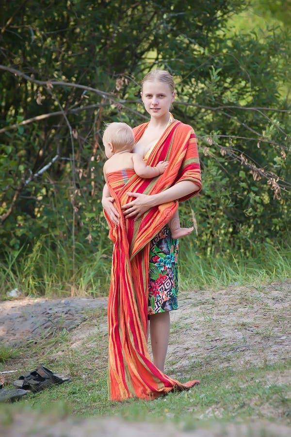 target2_0_ temblaka córki matka zdjęcia royalty free