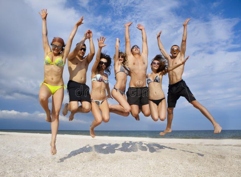 target2_1_ drużyny plażowi przyjaciele obrazy royalty free