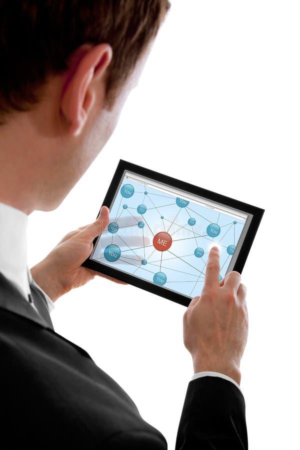 target296_1_ mężczyzna netw komputer osobisty pokazywać ogólnospołecznego touchpad obraz royalty free