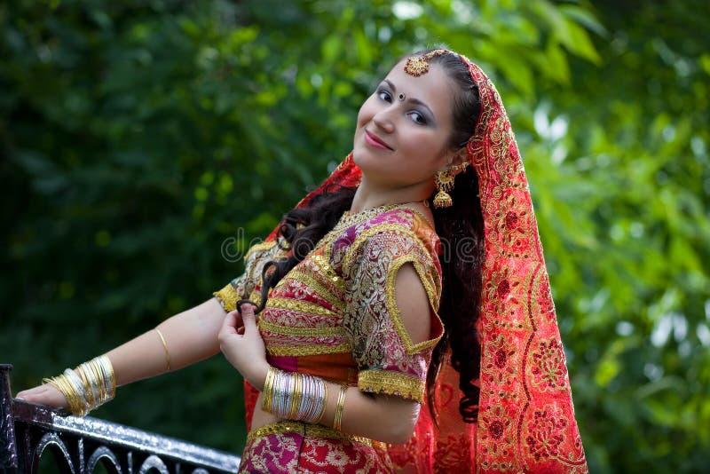 target350_0_ ty indyjski dziewczyny spojrzenie fotografia royalty free