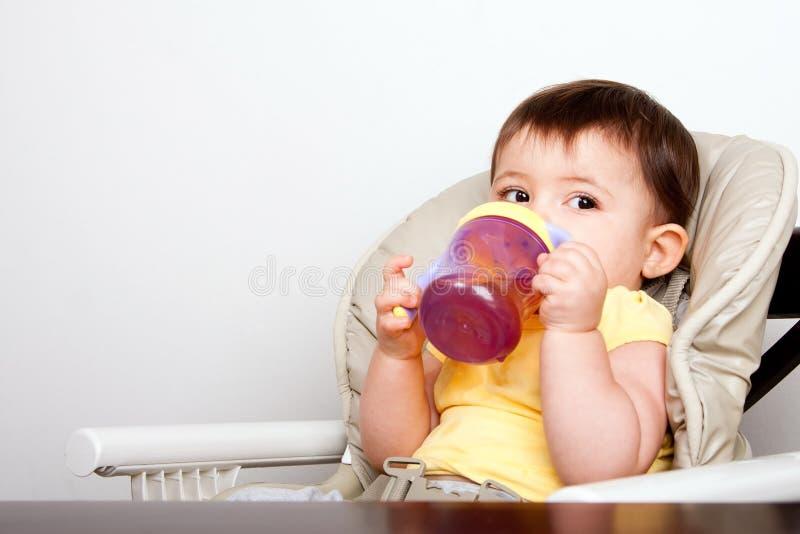 target382_0_ dziecięcy sippy dziecko filiżanka obrazy stock