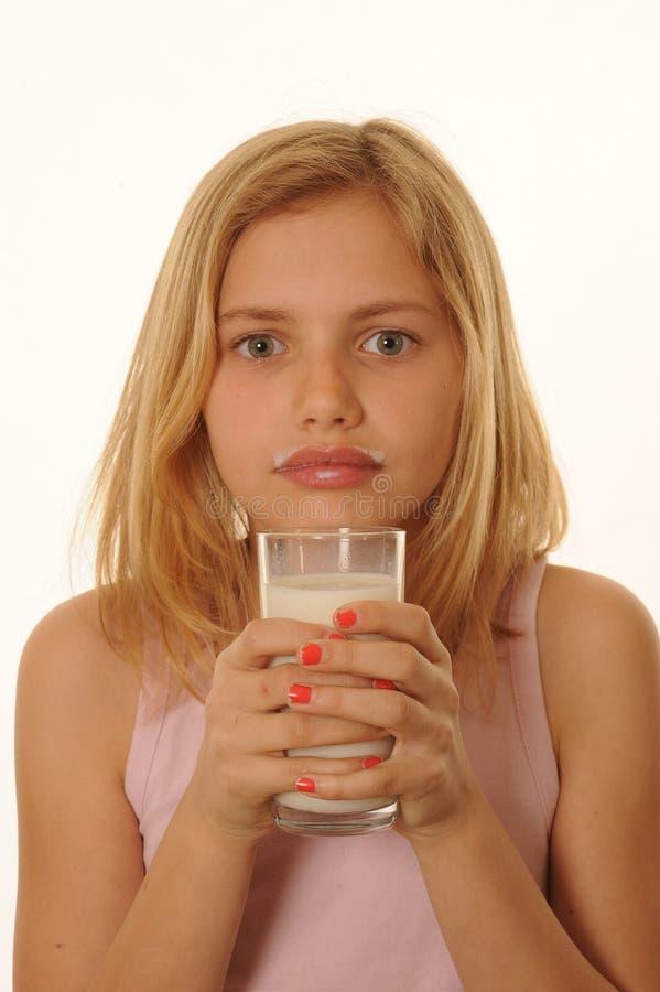 TARGET442_0_ młodej dziewczyny mleko obrazy royalty free