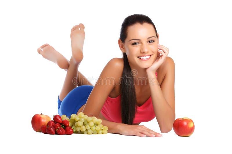 TARGET448_0_ z owoc brunetki zdrowa młoda kobieta fotografia stock