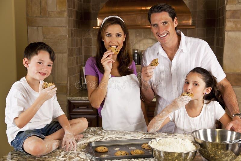 target468_1_ rodzinną kuchnię wypiekowi ciastka zdjęcie royalty free