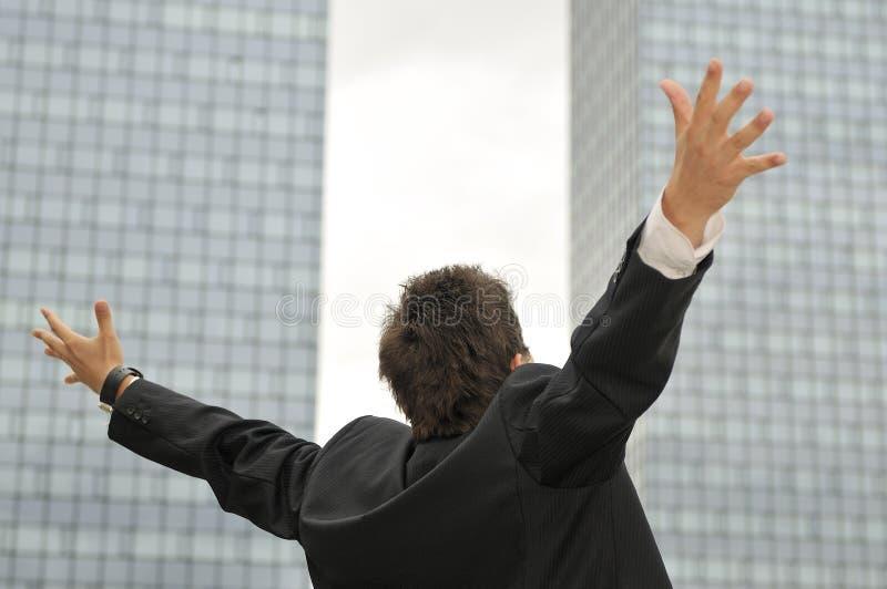 TARGET517_0_ od radości zwycięzcy biznesmen zdjęcie stock